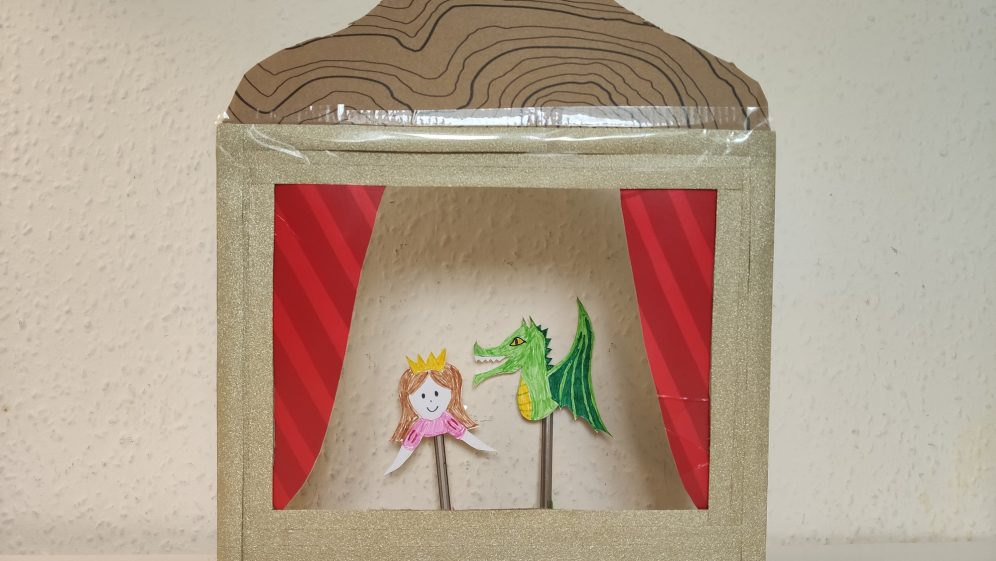 Monday Makes: Make your own puppet theatre
