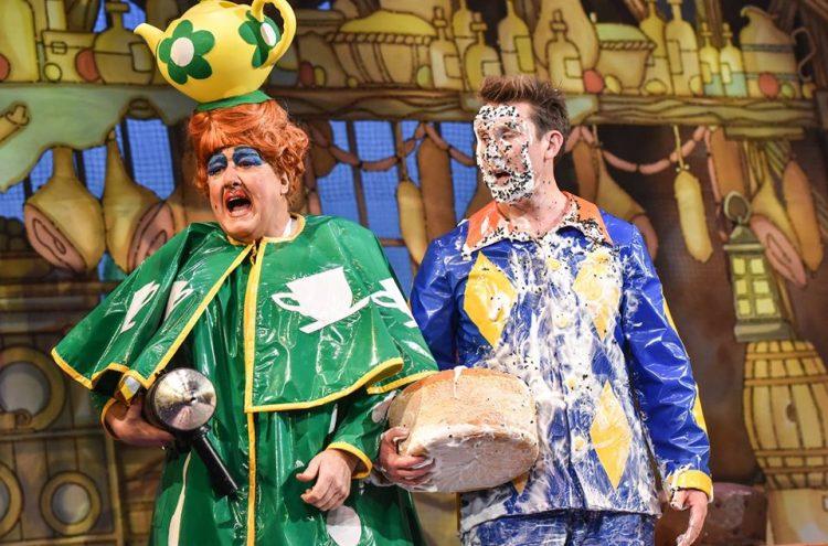 Iain Lauchlan and Craig Hollingsworth in Sleeping Beauty (2018/19) - credit Robert Day