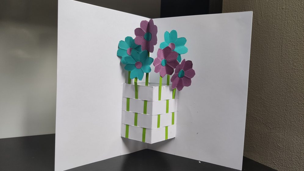 Monday Makes: Make your own pop-up flower card